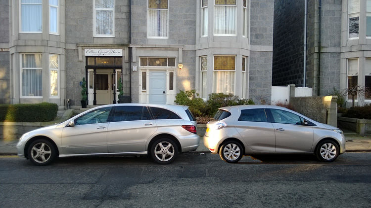 Mercedes R320 and Renault ZOE